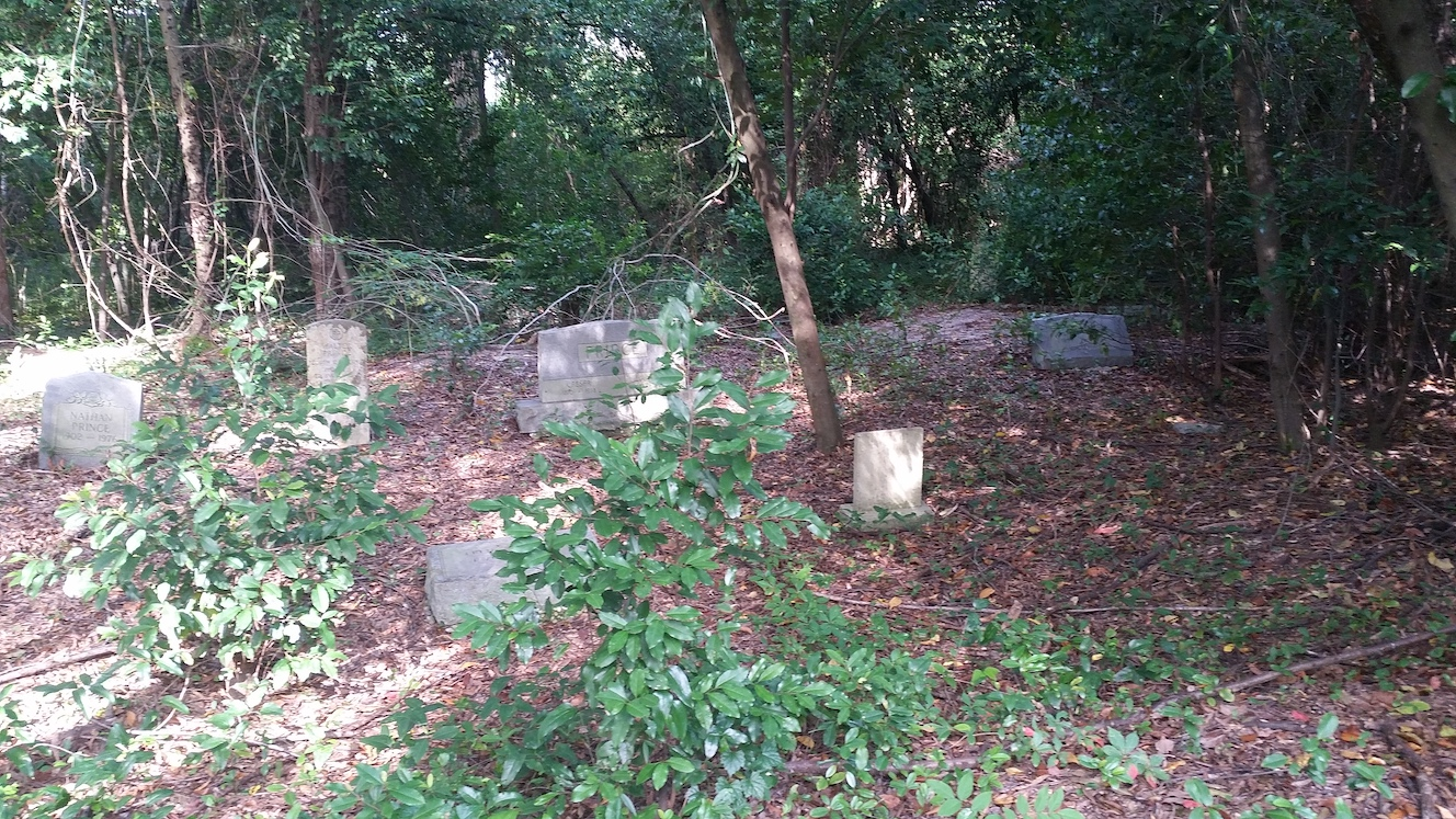 Marion-Ave-Cemetery_093634